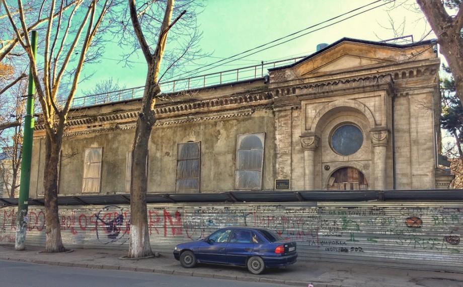 (foto) Descoperiri urbane: Casa Casso – clădirea din Chișinău care l-a ținut în captivitate pe Osman Pașa