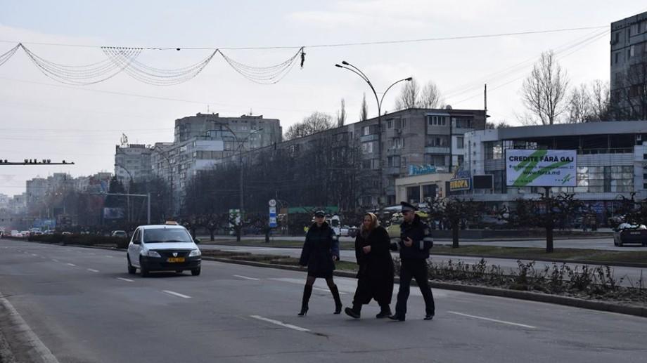 """(foto) Pe cele mai periculoase străzi din Chișinău se defășoara operațiunea """"Pietonul"""""""