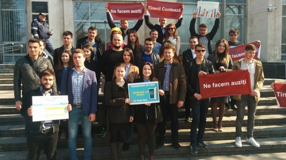 (flashmob) Studenții se fac auziți! Prima victorie în facilitarea accesului liber în cămine după 23.00