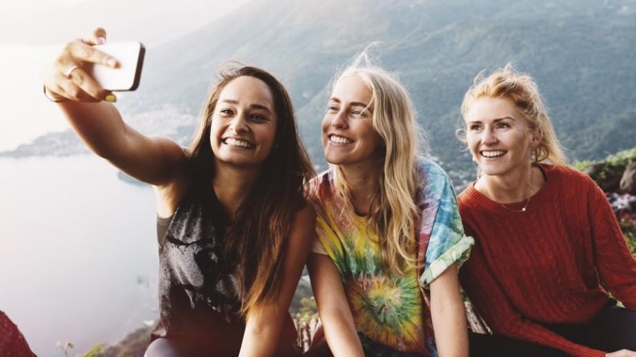 (video) Adobe lucrează la o aplicație care îți poate înfrumuseța chiar și cele mai urâte selfie-uri