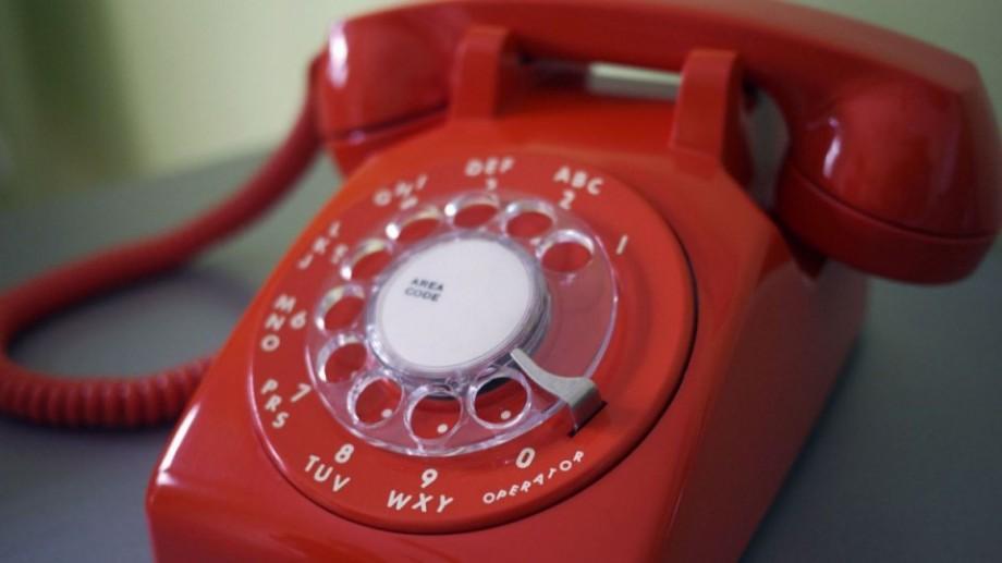 (grafic) Moldovenii renunță la telefonul fix. S-a micșorat numărul de minute vorbite și numărul clienților