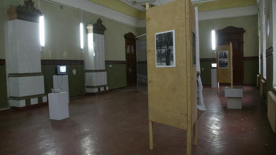 Tinerii artiști pot participa la o expoziție comună cu lucrări de artă ce redau superstițiile din Moldova