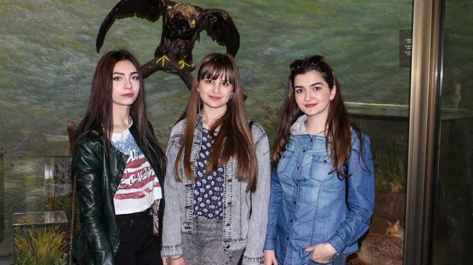 De ziua faptelor bune, zece tineri din Chișinău au organizat o excursie pentru elevii unei școli de tip internat