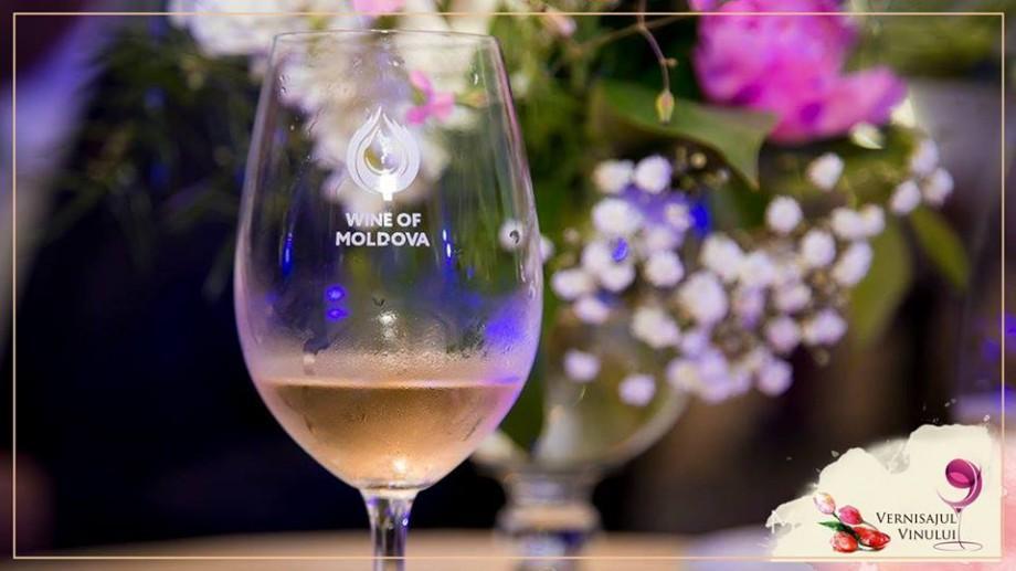 """Primăvara revine – """"Vernisajul în vals de primăvară"""" promite o atmosferă diafană, plină de arome rosé"""