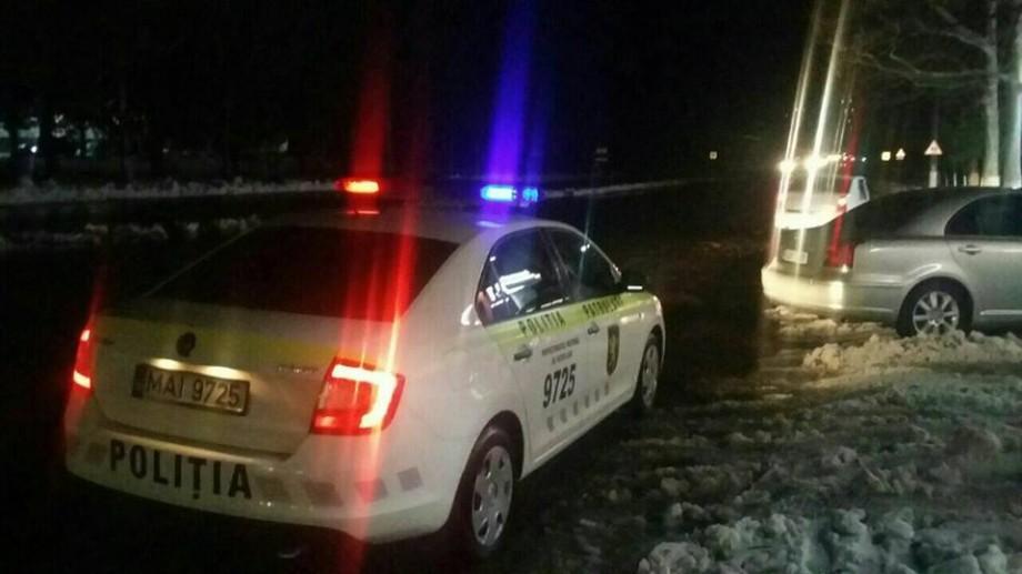 Poliția atenționează! Șoferii ale căror automobile au pneuri de vară vor fi stopați