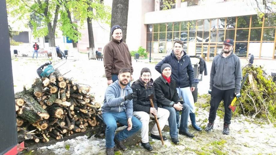 (foto, video) Locurile din Chișinău care au fost curățate astăzi de voluntari