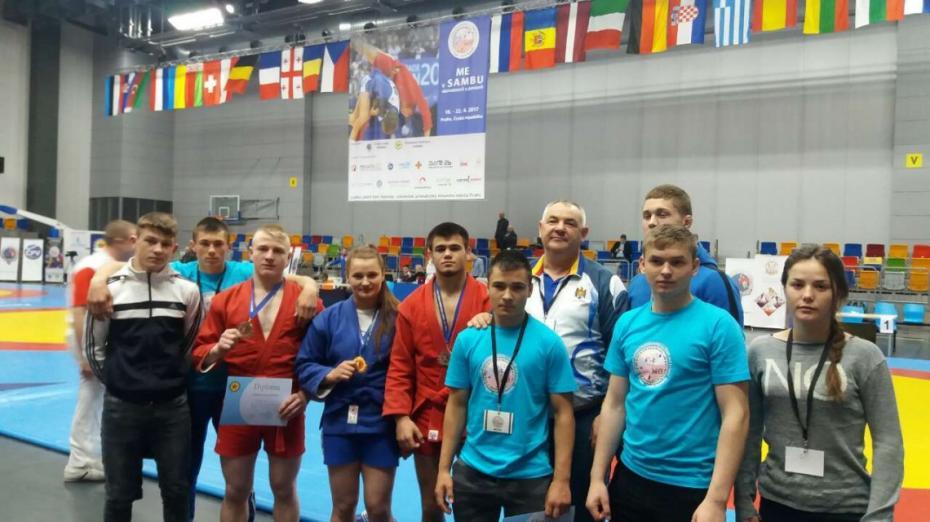 (foto) Sambiștii moldoveni s-au întors acasă cu un șir de medalii de la Campionatul European de Sambo