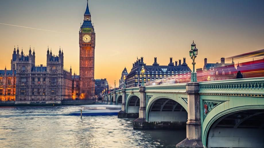 Tinerii care doresc să-și deschidă o afacere socială pot beneficia de studii gratuite la Londra