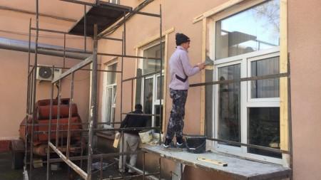 Trei copii ar fi putut suferi în urma unui incendiu izbucnit într-un apartament din localitatea Vatra