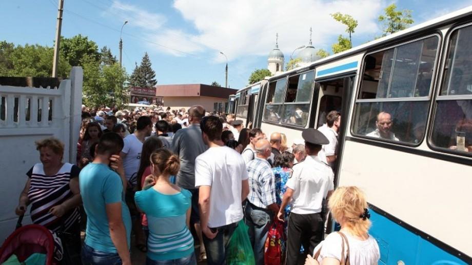 """Cu ce rute de autobuz veți putea merge gratuit de Paştele Blajinilor la Cimitirul """"Sf. Lazăr"""""""
