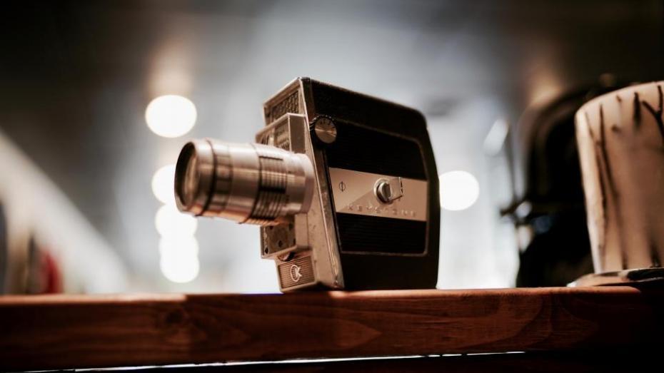 Dacă vrei să afli detalii din culisele producției de film, participă la un workshop cu Dumitru Marian