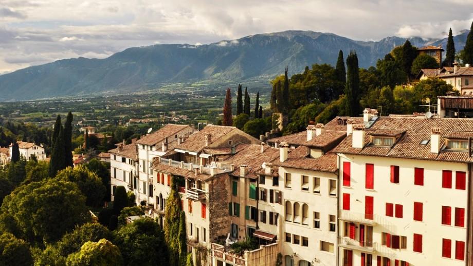 Tinerii din Moldova pot câștiga o bursă pentru un program MBA la o universitate în Italia