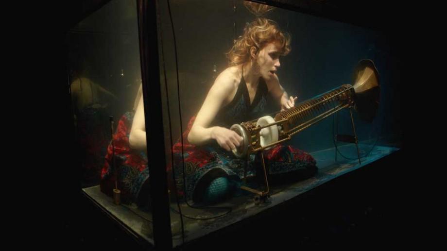(video) Muzică într-o lume tăcută. O trupă din Danemarca cântă muzică clasică în acvarii