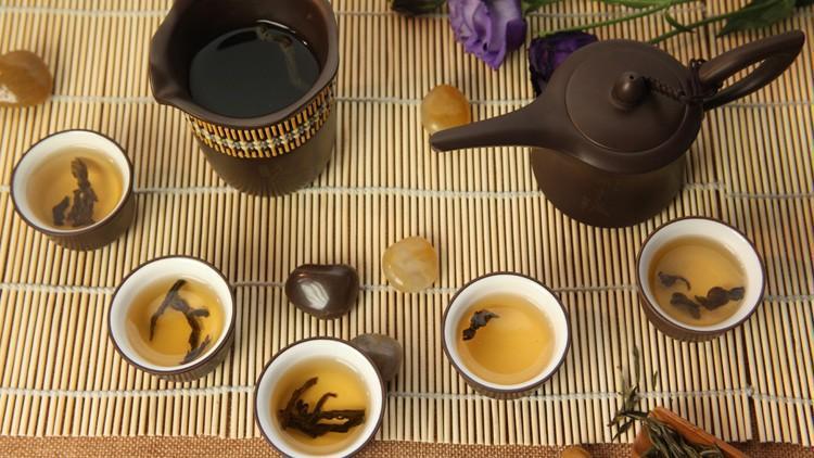 Tea wave masterclass – descoperă ceremonia ceaiului chinezesc, cu istoria și filosofia sa