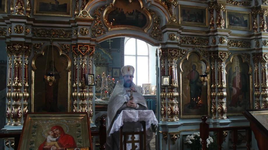 Paștele Blajinilor se amână: O biserică din Moldova schimbă data la care se vor pomeni răposații la cimitir