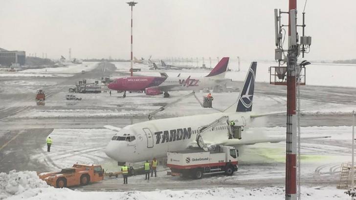 Activitatea aeroportului din Chișinău a fost reluată. A început îmbarcarea pentru cursele întârziate