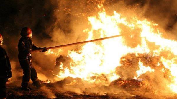 Șapte incendii și 20 de persoane au primit ajutor medical în Noaptea Învierii