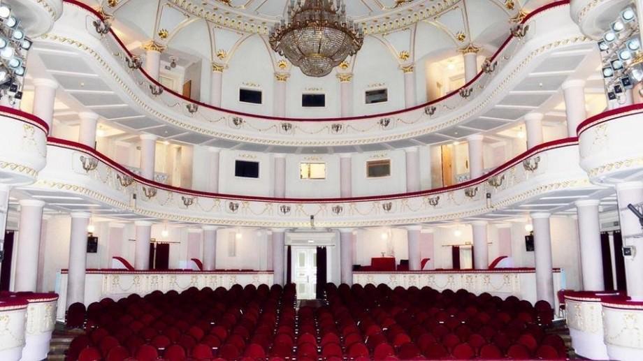 """Premieră la Teatrul Național """"Mihai Eminescu""""! Vitalie Drucec pune în scenă spectacolul """"Casa Zoikăi"""""""