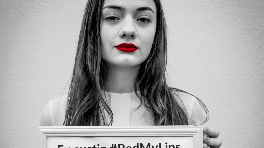 Red My Lips revine: În luna aprilie, rujează-ți buzele în roșu și participă la un concurs fotografic social