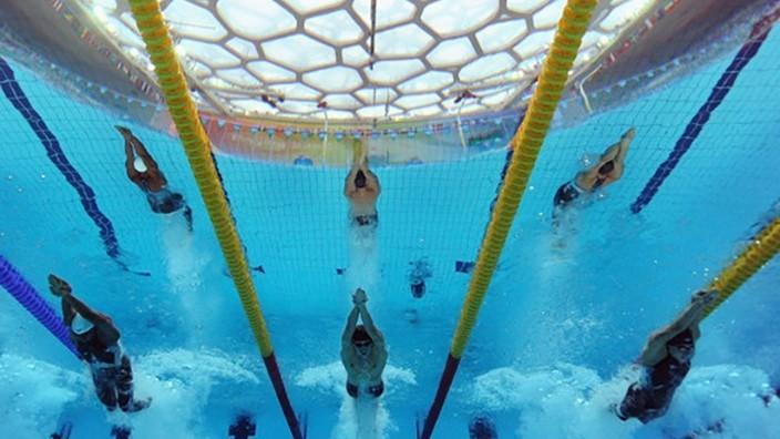 China: Toţi studenţii trebuie să înveţe să înoate, înainte de absolvire