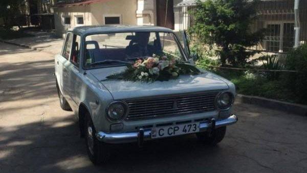 Accesul mașinilor în cimitirele din Chișinău va fi limitat înainte de Paștele Blajinilor