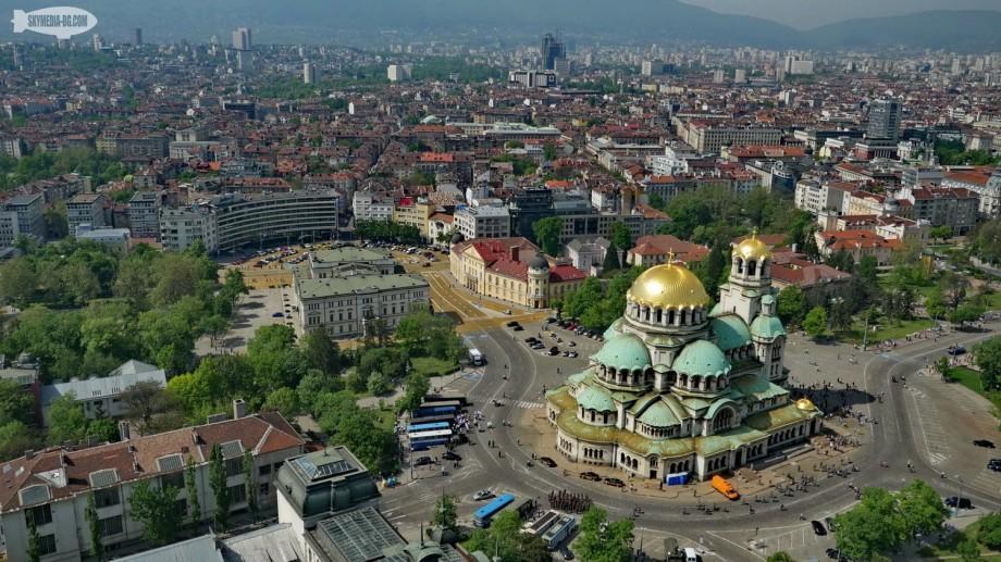 Tinerii pot câștiga burse de studii la o universitate din Bulgaria