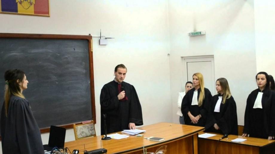 Studenții de la Drept pot participa la un concurs național
