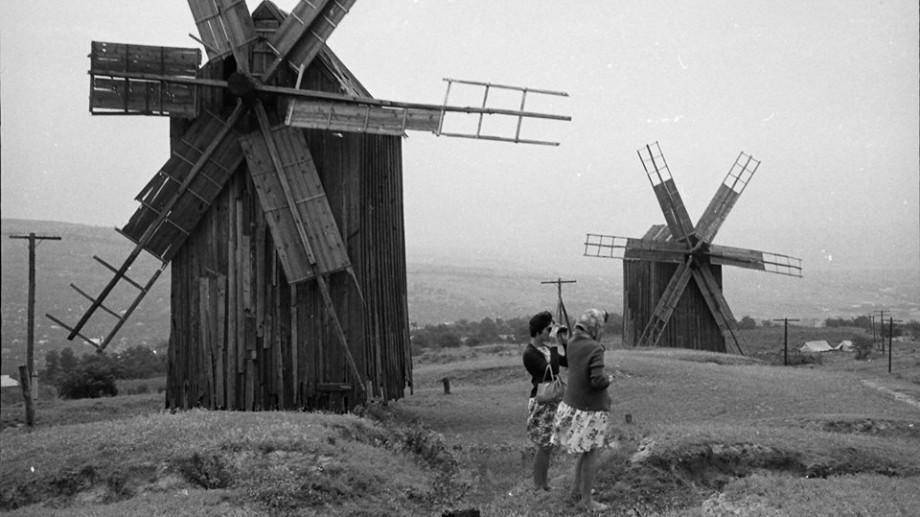(foto) Cum arătau morile de vânt din Moldova în perioada când erau apreciate