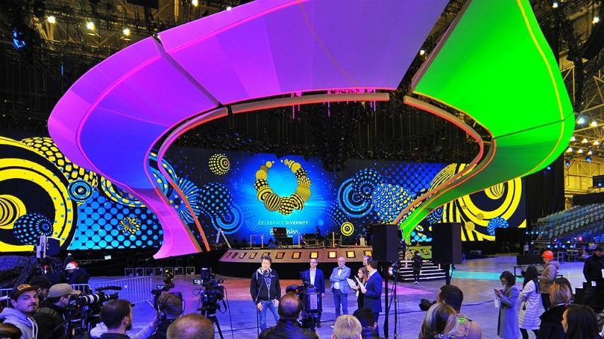 (foto) Scena pe care vor evolua participanții la Eurovision 2017 este gata. Primele fotografii de la Kiev