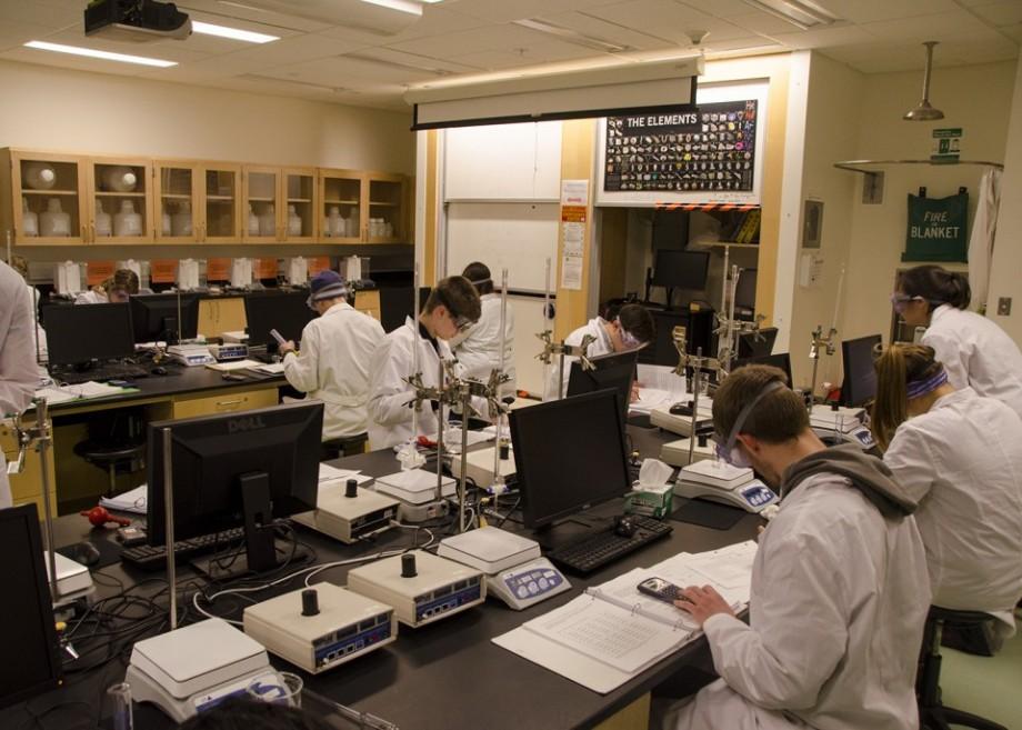 (foto) Cum să te pregătești de BAC-ul la chimie în regim online