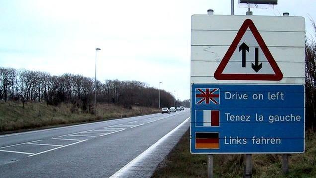 Știai de ce în Anglia se circulă pe partea stângă?