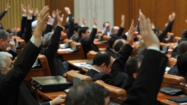 Elevilor din Moldova care vor lua 10 pe linie la BAC li se va acorda automat cetățenia română