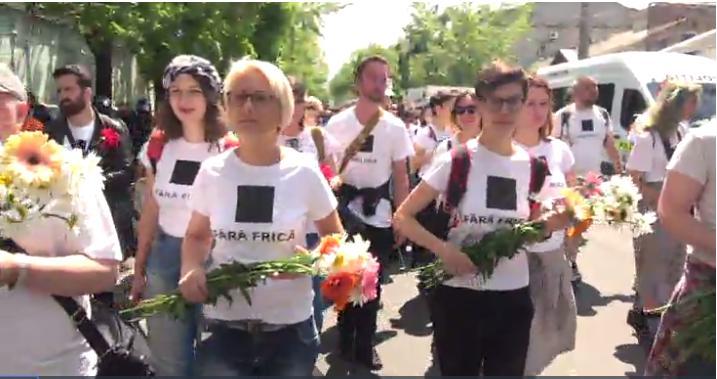 (live video) Persoanele fără frică au ieșit la un marș de solidaritate în centrul Chișinăului