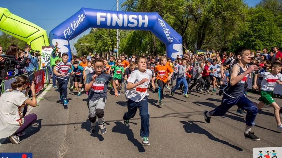 Peste 4 000 de oameni au alergat duminică la semimaratonul de la Bălți. Iată cine sunt câștigătorii