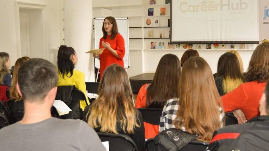 Participă în cadrul CareerHub Moldova și află mai multe despre ghidarea în carieră și plasare în câmpul muncii