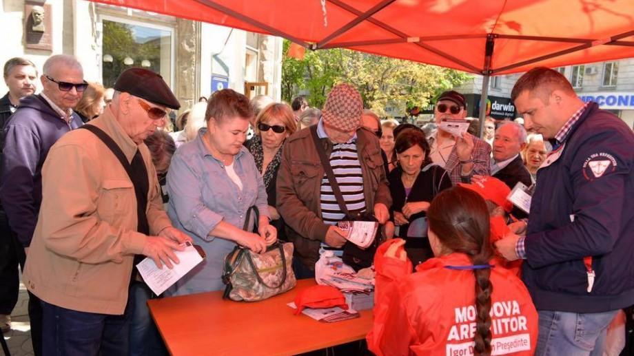 (video) A început colectarea semnăturilor în susținerea Referendumului privind demisia lui Dorin Chirtoacă