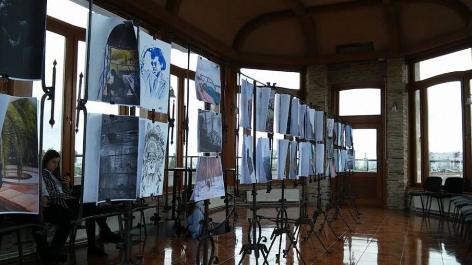 """(foto) """"Oameni și locuri dragi"""" – expoziție care inspiră"""