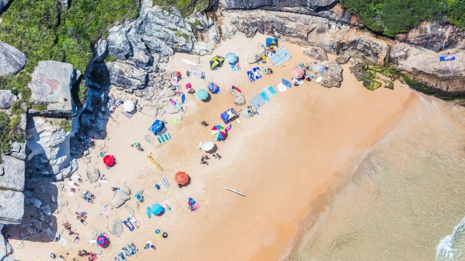 (foto) Un fotograf surprinde prin imagini aeriene uimitoare ale plajelor din întreaga lume
