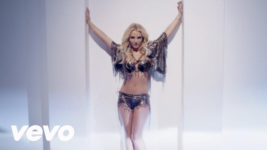 Cele mai populare ținute purtate de Britney Spears în concerte, scoase la vânzare pe eBay