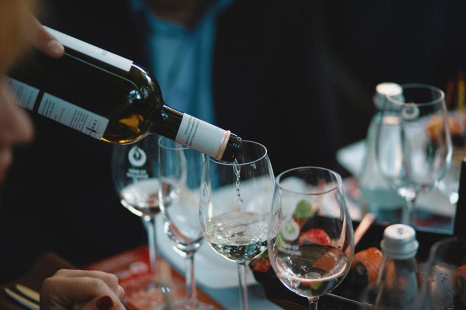 """(foto) Viața în nuanțe de rosé – la primul eveniment din cea de-a VI-a ediție """"Wine Friendly"""""""