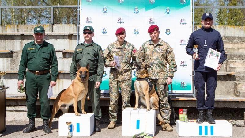 """(foto) Cât de """"mimimi"""" sunt câinii Poliției de Frontieră, participanți la o competiție din Letonia"""