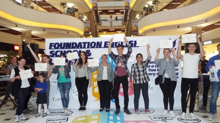 (video, foto) Zeci de tineri au venit să vadă diferența! Cum s-a desfășurat ziua ușilor deschise la Universitatea Americană din Moldova