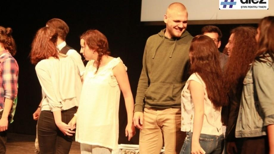 """(foto, video) Comasare Teatrală: Cum s-a desfășurat Festivalul Internaţional al Şcolilor de Teatru """"ClassFest"""""""