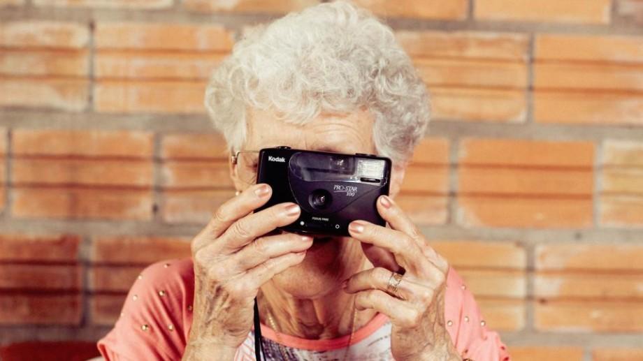 Premiul național pentru vârstnici: Dacă bunicii tăi au realizări deosebite într-un anumit domeniu, înscrie-i în concurs