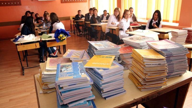 Ministerul Educației va asigura cu manuale gratuite elevii claselor I-IX