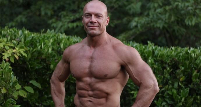 (video) Unul dintre cei mai populari bloggeri de fitness din Rusia te invită la un master-class