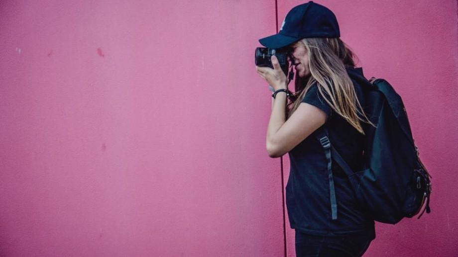 Ești pasionat de fotografie? Participă și câștigă o călătorie la Festivalul Internațional al Studenților și Tineretului