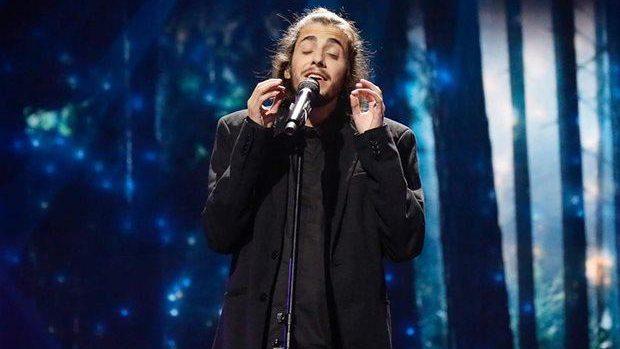 (video) Cine este Salvador Sobral, cântărețul cu inima de aur care a câștigat Eurovision 2017