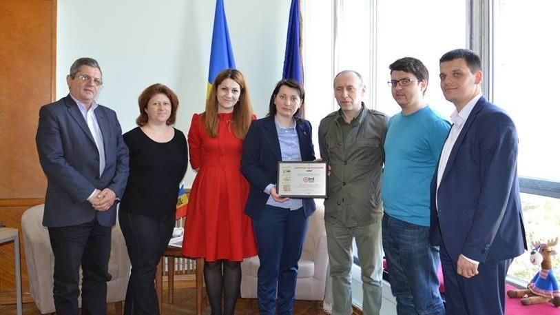 Cetățenii Moldovei plecați peste hotare se pot înscrie la un program de colaborare dintre Guvern și Diasporă
