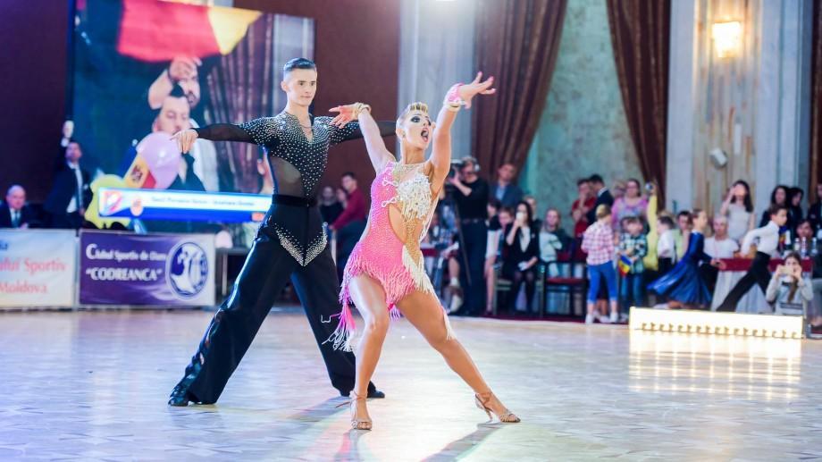 (video) Dansatorii moldoveni au cucerit aurul la Campionatul European de Dans la Tineret, secțiunea Latino